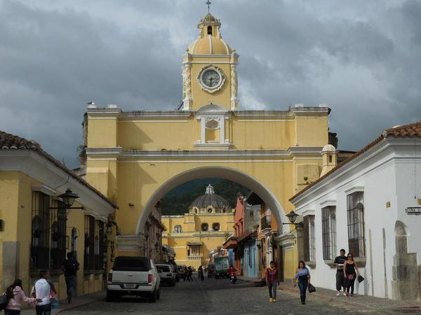 56 2015-11 Guatemala Antigua Arch of Convent 07