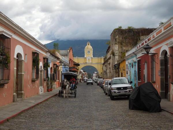 57 2015-11 Guatemala Antigua Arch of Convent 24