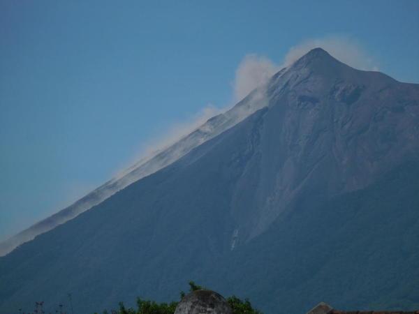 72 2015-11 Guatemala Antigua Fuego Volcano eruption 08