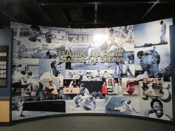 baseball-hall-of-fame-hank-aaron