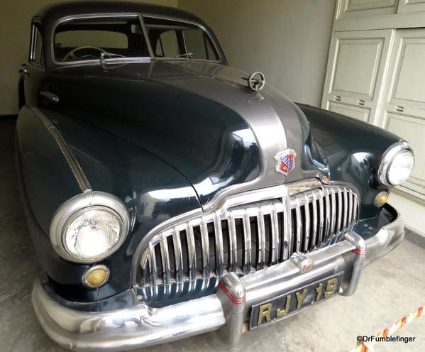 1946 Buick Super Salon (1)