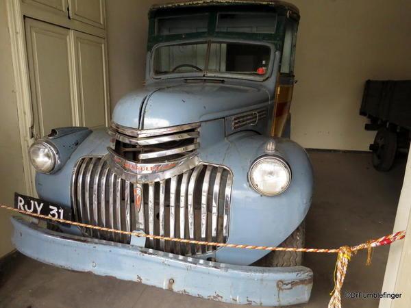 1947 Chevrolet Bus (2)