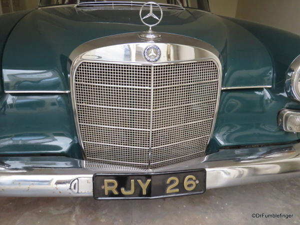 1966 Mercedes 200 (3)