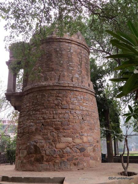44 Lodhi Gardens, Round Tower. Delhi 02-2016