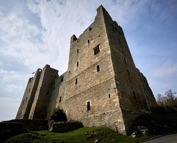 Castle 910