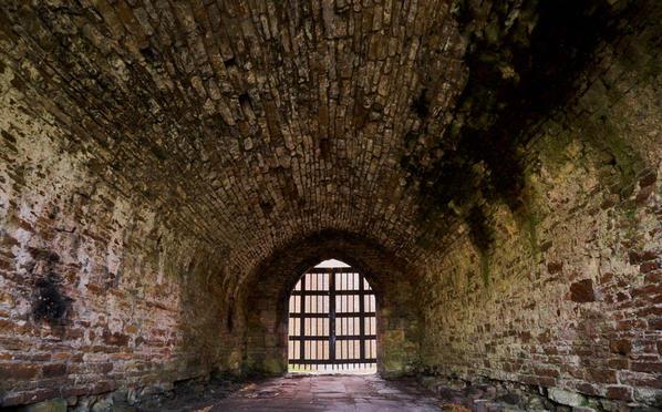Gatehouse portcullis 2