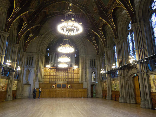 1280px-Manchester_Town_Hall,_Great_Hall-TomPage