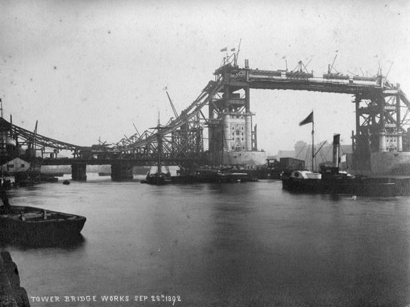 Tower_bridge_works_1892