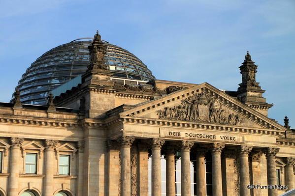 02 Reichstag exterior