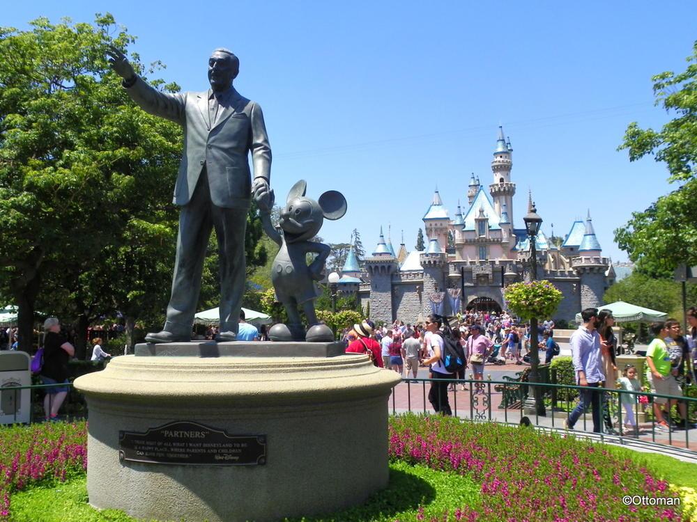 Aug 24 2017 Walt Disney And Mickey Mouse Disneyland Travelgumbo