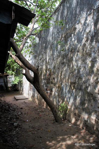 11 Old Dutch Fort Batticaloa (21)