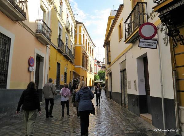 An Evening walk in Santa Cruz, Seville (13)