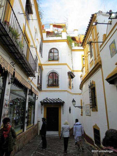 An Evening walk in Santa Cruz, Seville (29)