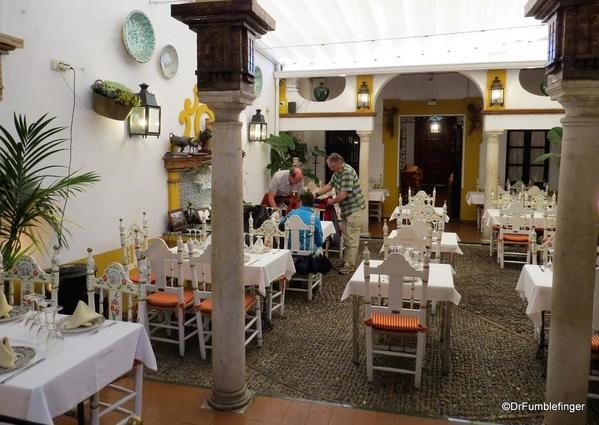 An Evening walk in Santa Cruz, Seville (42)