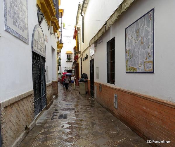 An Evening walk in Santa Cruz, Seville (64)