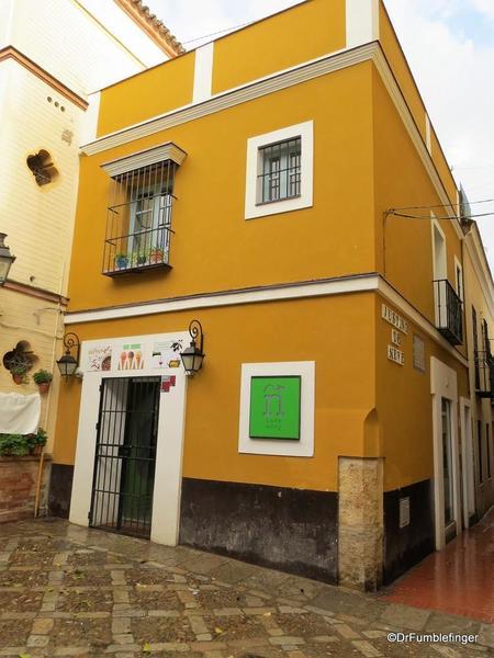 An Evening walk in Santa Cruz, Seville (68)