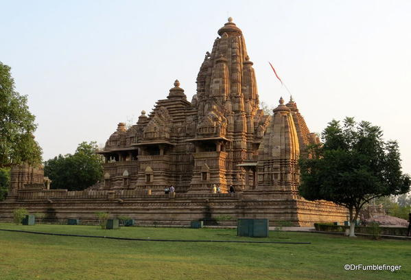 06 Khajuraho temples and town (89)