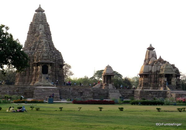 07 Khajuraho temples and town (90)