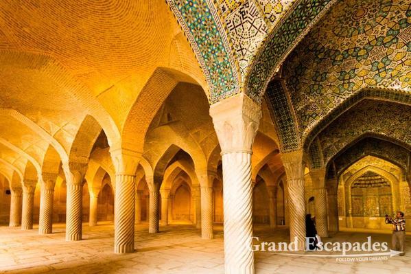 Iran-GardensOfShiraz-105