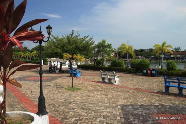 07 Gandhi Memorial Park, Batticaloa
