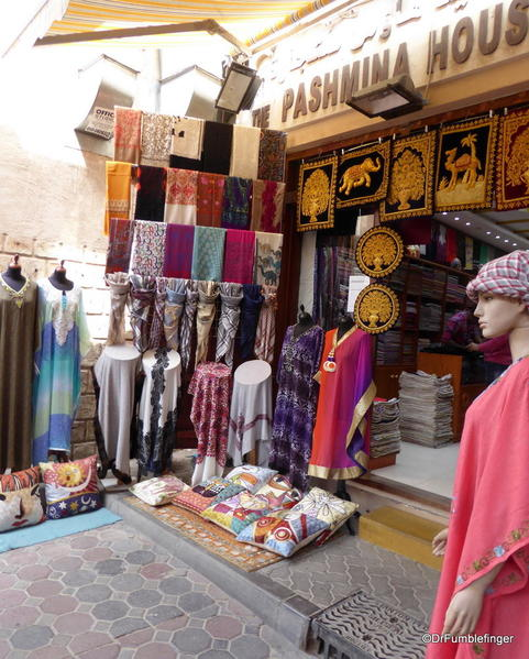14 textile souk, Dubai (21)