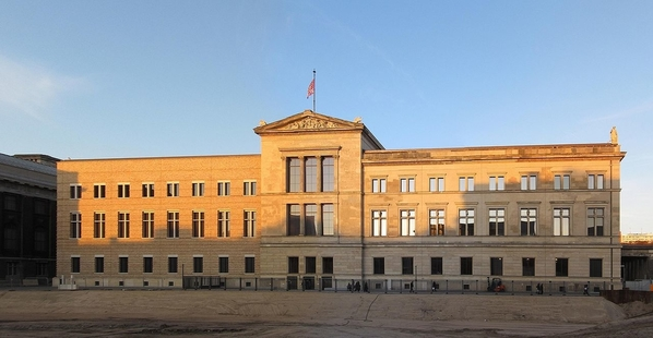 Neues Museum, courtesy Gryffindor, Marku and Wikimedia