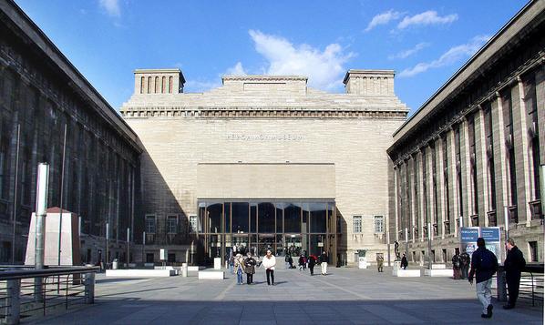 Pergamonmuseum courtesy Raimond Spekking and Wikimedia
