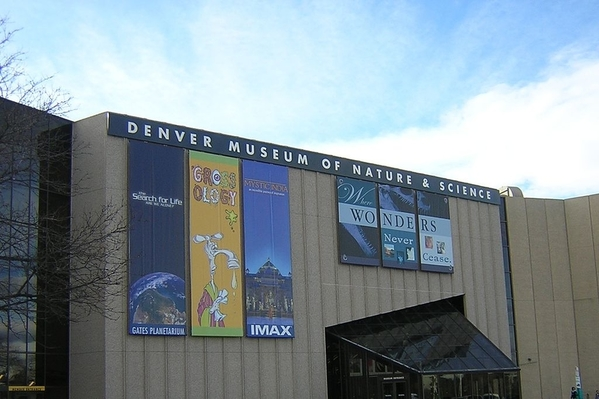 1024px-Denver_Museum_of_Nature_&_Science. Courtesy MisterHand and Wikimedia