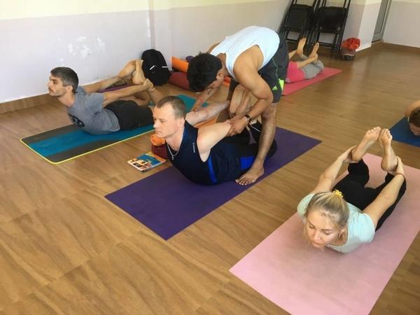 Yoga teacher training7