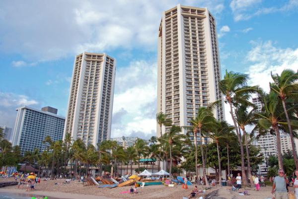 Hyatt-Regency-Waikiki-Towers