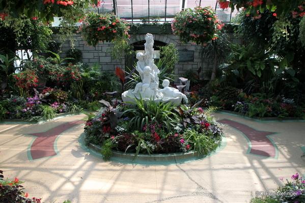 20 Niagara Parks Floral Showcase