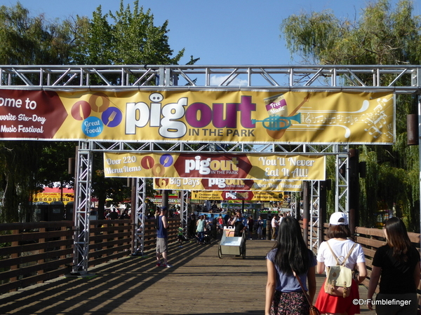 00 Pig Out In the Park (2)