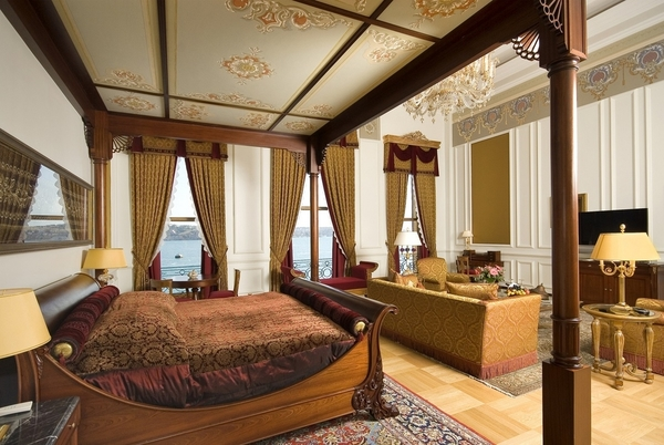 sultan suite_master bedroom