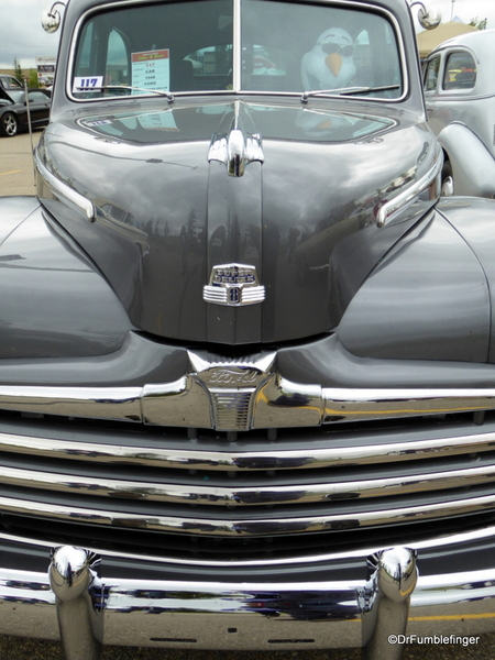 02 1948 Ford Tudor Super Deluxe