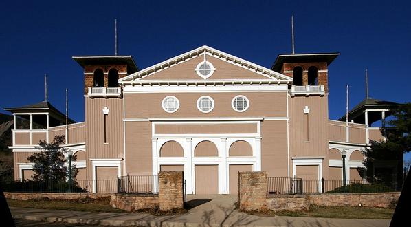 02 Colorado_Chautauqua_Auditorium_Boulder_CO Courtesy Wikimedia and Hustvedt
