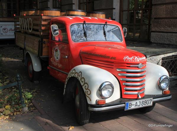04 PIWO beer truck