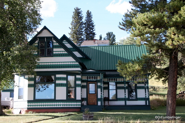 09 Homes in Leadville