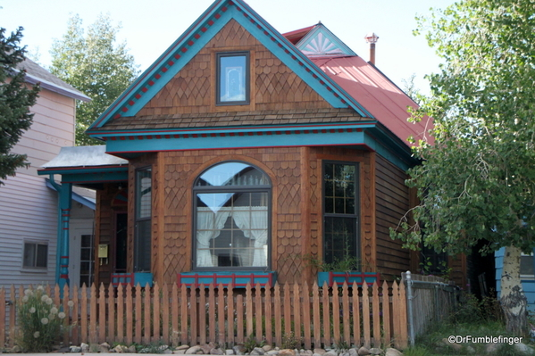 12 Homes in Leadville