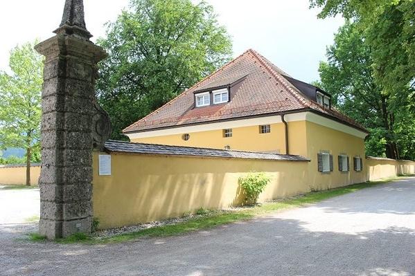 Frohnburg-Palace-2