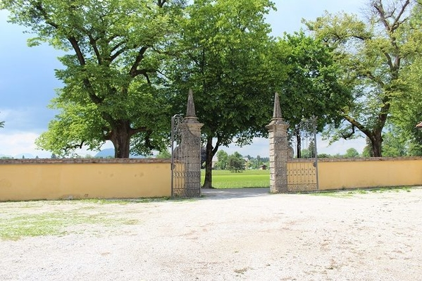 Frohnburg-Palace-3