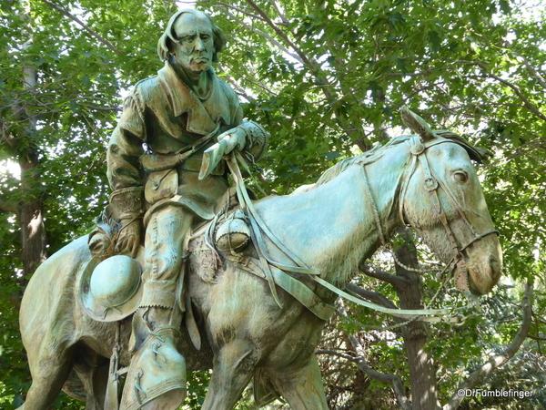 01 Kitt Carson statue