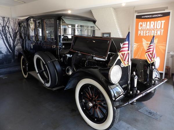 1919 Series 51 Pierce Arrow Limosine