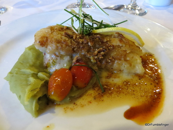 02 Grilled Antarctic sea bass fillet with mashed peas and confit tomatoes
