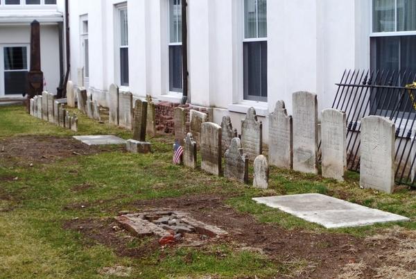 01 1st Presbeterian grave yard2