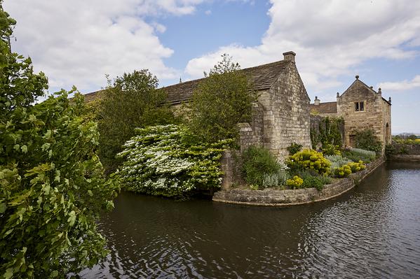 Moat and gategouse 1