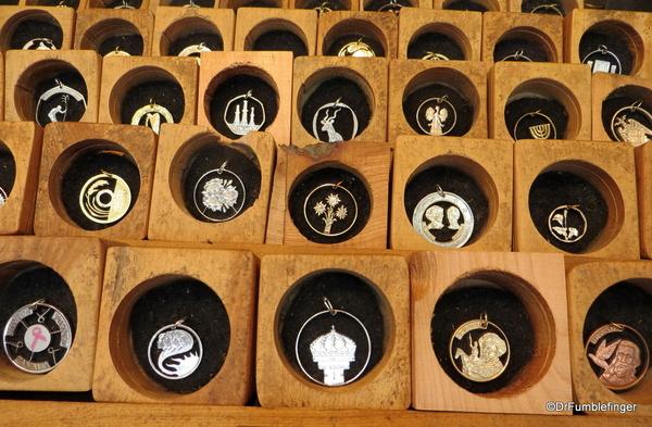 02 00 Ushuaia Coin Man
