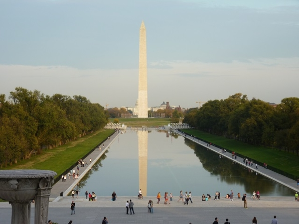 Washington-Monument - pool