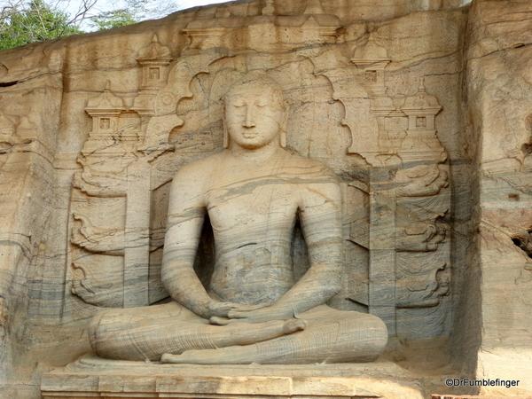 10 Gal Viharaya in Polonnaruwa (2)