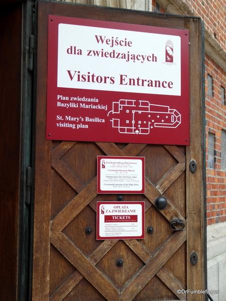 04 St. Mary's Basilica, Krakow