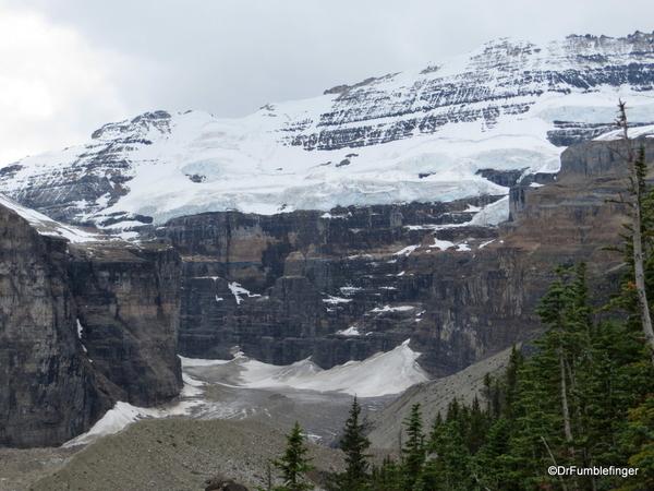 Plain of Six Glaciers 05